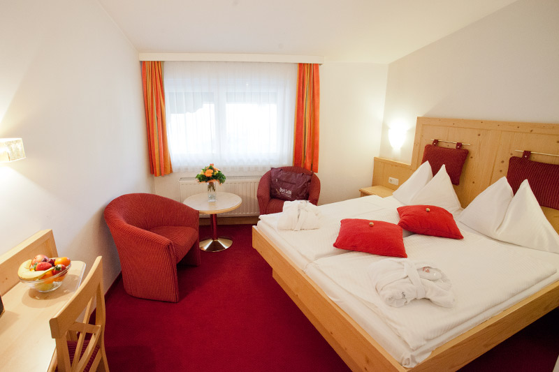 Rooms in zell am see accommodation in salzburg hotel for Living room zell am see